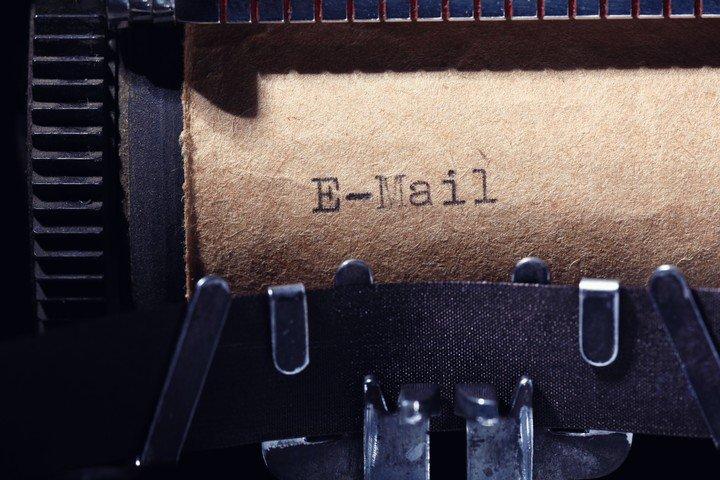 E-mail, el paso del correo físico al correo electrónico.  Foto: Shutterstock