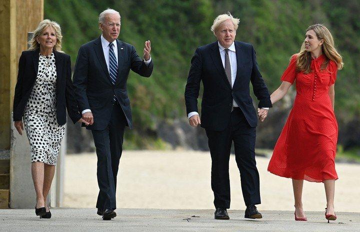 El presidente de los Estados Unidos, Joe Biden, y el primer ministro británico.  Boris Johnson, este jueves en Carbis Bay, Gran Bretaña.  Foto: AFP