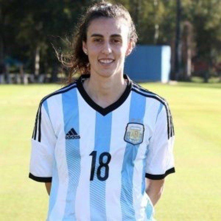 Belén Potassa tiene 9 del área y tiene más de 300 goles en su carrera.