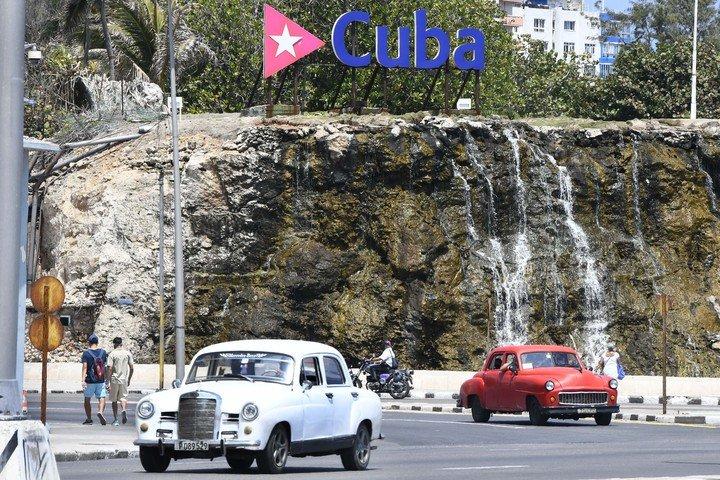 El gobierno cubano argumenta que las nuevas medidas económicas se deben a las sanciones de Estados Unidos.  Foto: XINHUA