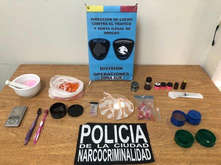 Una banda que fabricaba cocaína rosa cayó en la ciudad de Buenos Aires.