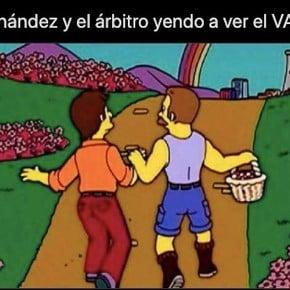 Los memes explorados por el VAR en Boca - Mineiro