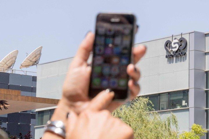 Pegasus espía a través de teléfonos móviles.  Foto AFP