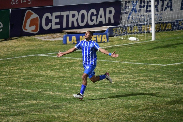 Bruno Leyes, debut y gol.  El joven de 19 años anotó la eliminatoria temporal ante Central.  Foto: José Gutierrez / Los Andes