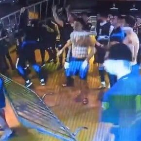 Escándalo: la policía arrojó gas en el vestuario de Boca y se armó