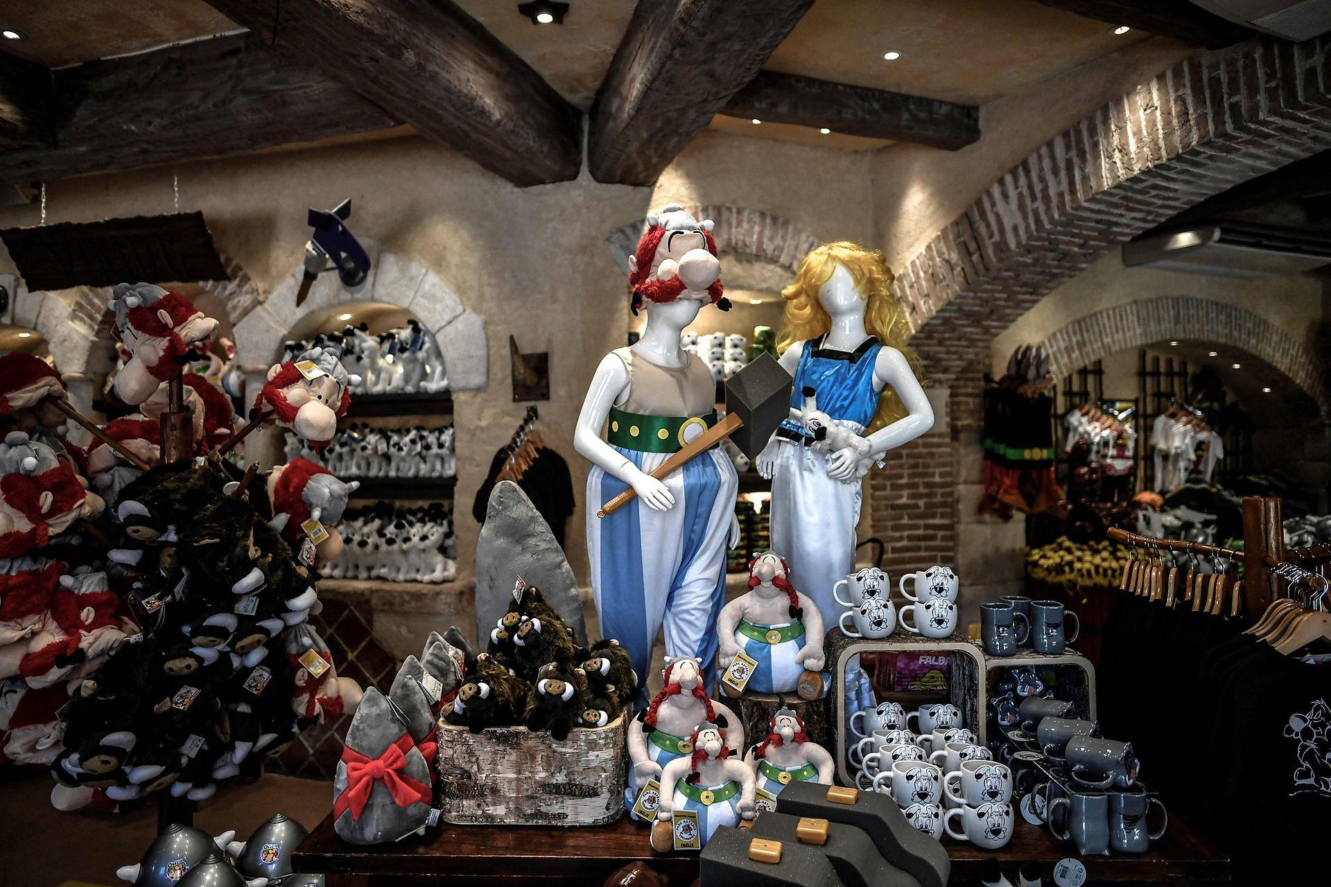 Las tiendas de regalos preparan sus escaparates para la reapertura llenas de expectativas