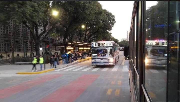 El ataque fue contra un autobús de la línea 152. Foto: archivo