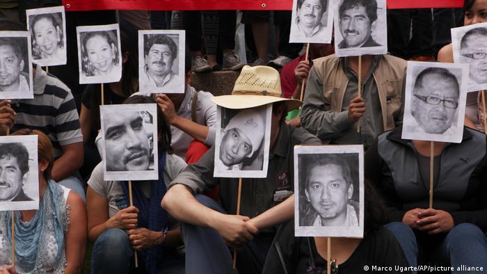 Manifestación en México por asesinatos de periodistas (23/02/2014)