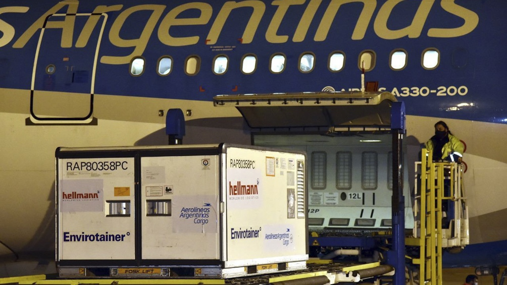 En total, Aerolíneas Argentinas trajo 27.420.375 vacunas al país en 39 vuelos.