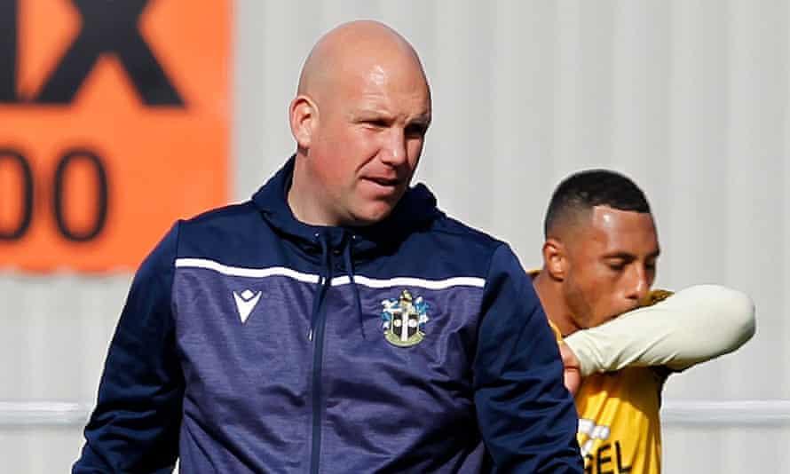 El gerente de Sutton, Matt Gray.