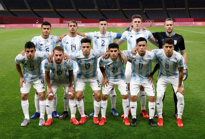 La alineación titular de Argentina se enfrentará a Australia en su debut en los Juegos Olímpicos de Tokio 2020. Foto: Kim Hong-Ji