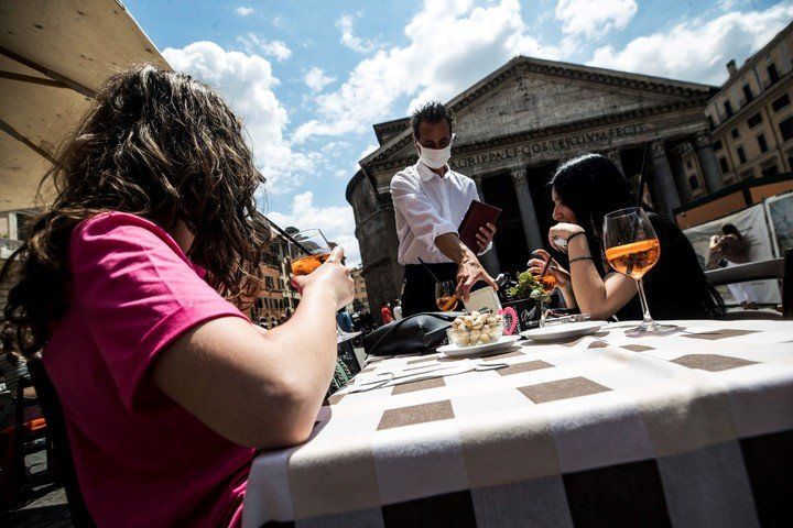 En los bares de Roma.  Foto EFE