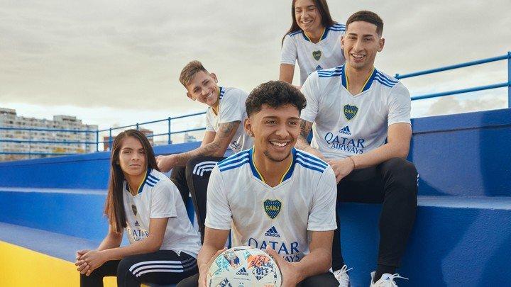 De Casa Amarilla al mundo: la juventud de Boca es el rostro del nuevo lanzamiento de adidas.