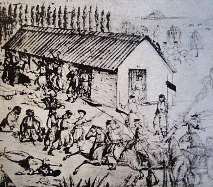 """Un gráfico de la masacre, entre muchos otros elementos que recuerdan el hecho en el Museo Histórico. """"independencia de los fuertes""""."""