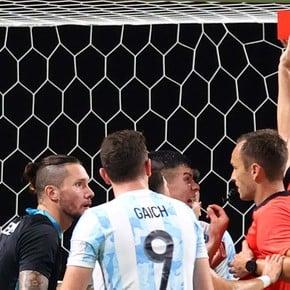 La insólita expulsión de Ortega en la derrota de Argentina