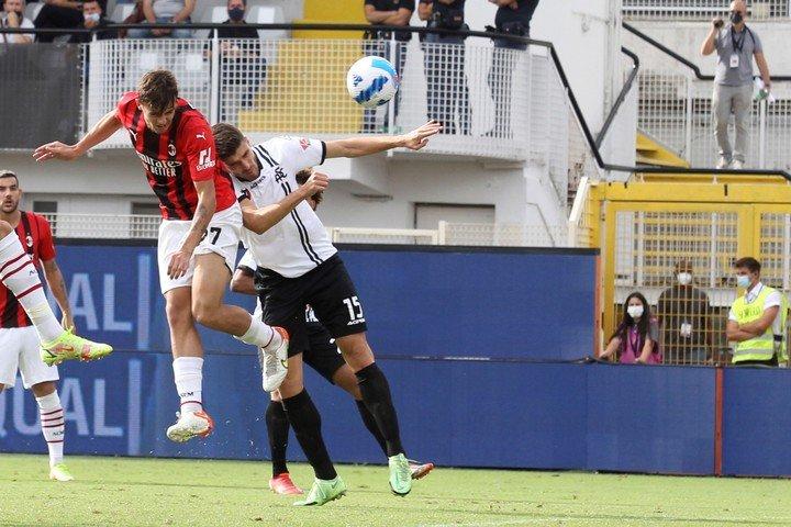 Gol de Daniel Maldini.  AP.