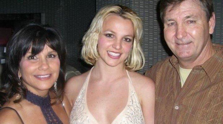 Britney Spears y sus padres, en tiempos más felices.