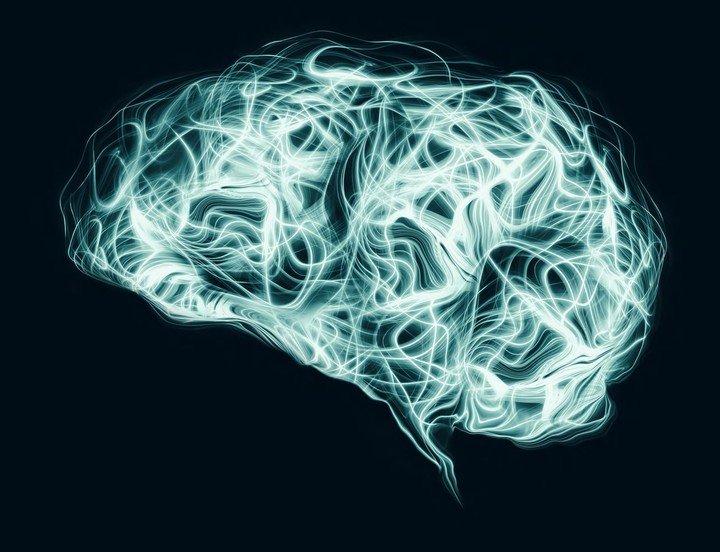 Un cerebro humano promedio contiene entre 80 y 100 mil millones de neuronas, cada una de las cuales es altamente eficiente.  Accenture