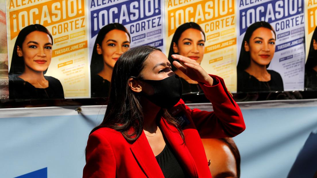 Alexandria Ocasio-Cortez debuta en Twitch y su primera transmisión es una de las más populares en la historia de la plataforma.