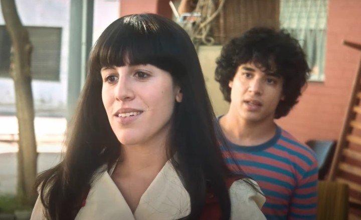 Nicolás Goldschmidt es el Diego que se enamora de la morena Claudia (Laura Esquivel).  Foto: Captura del tráiler de Amazon Prime Video.