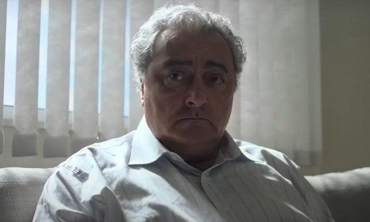 Claudio Rissi es Don Diego.  Pepe Monje es la versión joven del tráiler de captura de fotos de Maradona Sr.