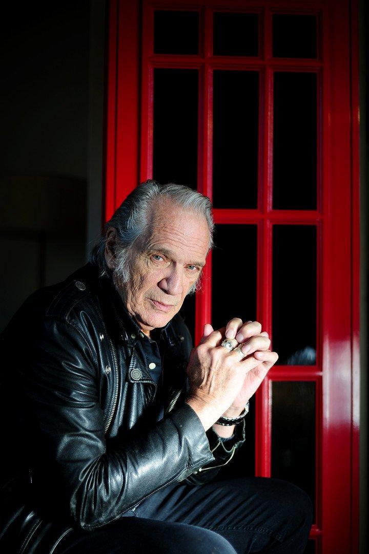 En 1971, Vitico emprendió una aventura londinense que lo puso a tiro de tocar con los Faces y le permitió zapar con dos Who. Foto Germán García Adrasti