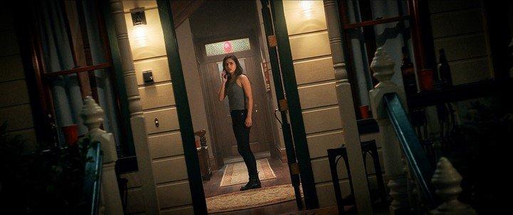 """Melissa Barrera como Sam durante la escena de una película de terror """"grito"""".  Foto EFE"""