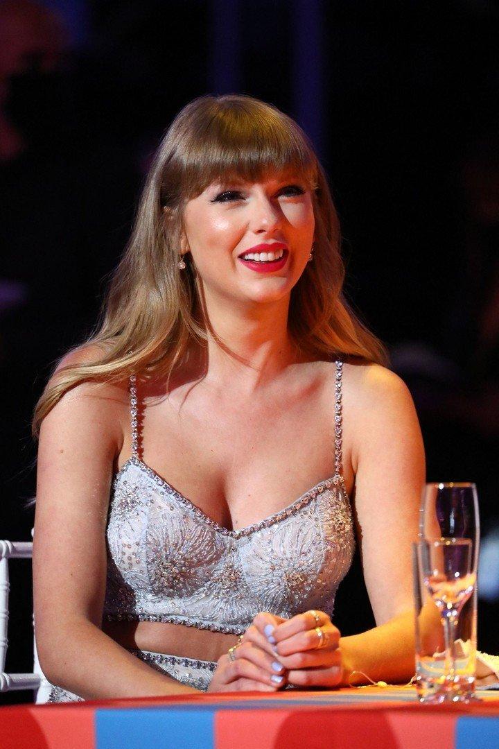 """Un verdadero profesional"";  así es como Lloyd Webber definió a Taylor Swift.  Foto John Marshall / John Marshall / AFP"
