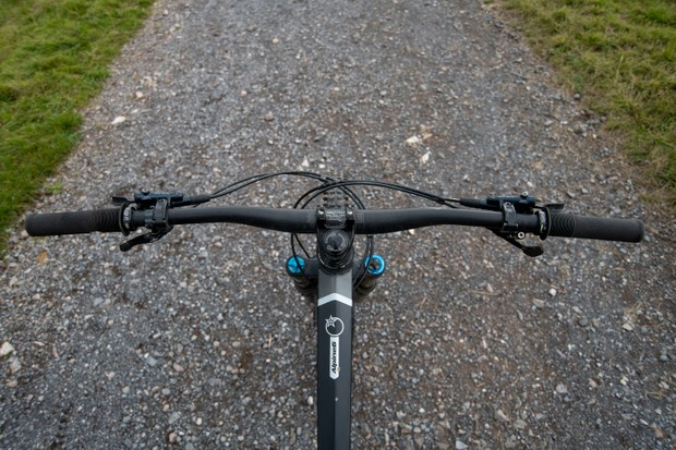 Mountain bike handlebar backsweep